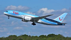 G-TUIA (AnDyMHoLdEn) Tags: thomson tui 787 dreamliner egcc airport manchester manchesterairport 23r