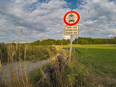 2019 Bike 180: Day 83, July 15 (suzanne~) Tags: 2019bike180 bike bicycle sign path footpath field bavaria gauting germany