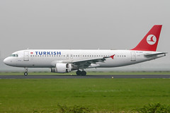 TC-JLH (PlanePixNase) Tags: amsterdam ams eham schiphol planespotting airport aircraft turkish turkishairlines airbus 320 a320
