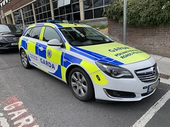 Irish Police Car - An Garda Siochana - Opel Insignia Tourer - Roads Policing - Limerick, Ireland (firehouse.ie) Tags: limerick irish ireland car police opel garda