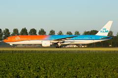 PH-BVA | B773 | KLM | EHAM (Ashley Stevens images) Tags: amsterdam schiphol airport eham ams canon eos aircraft aeroplane aviation civil airplane phbva