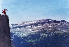 woman in red (viehbergerd) Tags: people highout high klippe felsen naturfotografie nature mountain norway trolltunga red woman dance wind luftig hoch steilklippe wanderung 2019 nikon nikond5300 natürlich outdoor himmel ausblick