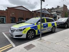 Irish Police Car - An Garda Siochana - Opel Insignia Tourer - Roads Policing - Limerick, Ireland (firehouse.ie) Tags: angardasiochana ags tourer insignia irish ireland limerick car police opel garda