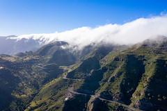 Luftbild von Straße GM-3 im Nationalpark Garajonay auf La Gomera, Spanien