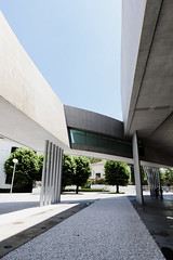 (Gregory Cassat) Tags: rome roma art museum architecture canon italia wideangle musée museo architettura italie zahahadid maxxi eos550d canon1018