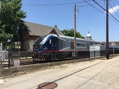 Amtrak Train - Springfield, Illinois (Mark 2400) Tags: amtrak train springfield illinois