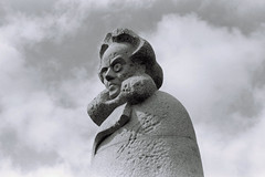 Ibsen Edit (Turnpenny) Tags: henrik insen bergen norway bust statue overcoat eyes