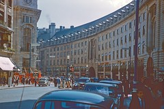 Regent St., London (UK) (Riex) Tags: road street rue regent curved courbe architecture façade building batiment london londres angleterre england uk unitedkingdom royaumeuni diapo slide film kodachrome 1958