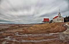 Sérénité / Serenity (Donald Plourde) Tags: chemin beaumont road chapelle chapel ciel nuages sky clouds rivière petitcodiac river