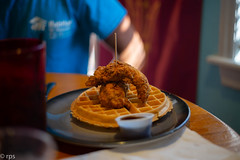 Chicken and Waffles (RPStrick) Tags: leica m262 50mm summicronm