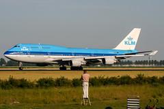 PH-BFV (PlanePixNase) Tags: amsterdam ams eham schiphol planespotting airport aircraft klm boeing 747 747400 b744 jumbo