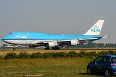 PH-BFT (PlanePixNase) Tags: amsterdam ams eham schiphol planespotting airport aircraft klm boeing 747 747400 b744 jumbo