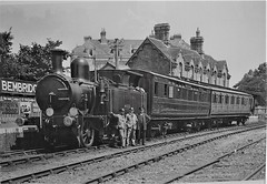 Bembridge, Isle of Wight. England. A Southern Train and Crew Pose for the Camera. (ManOfYorkshire) Tags: bembridge iow isleofwight england hampshire southern train trains railway station closed receveloped crew loco locomotive engine 240 steam carriages coaches brnachline terrminus brading system nostalgia history 2coachtrain