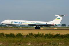 UR-86527 (PlanePixNase) Tags: amsterdam ams eham schiphol planespotting airport aircraft ukraine government ilyushin il62 ил62 ильюшин