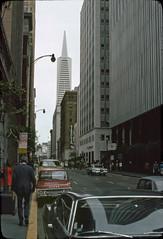 Montgomery Street, Transamerica Pyramid (motohakone) Tags: usa 1977 westernstates slide digitized vintage old unitedstates dia digitalisiert westküste california paperframe kodachrome