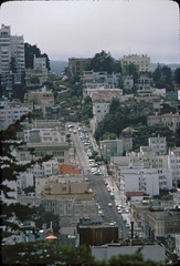 Lombard Street (motohakone) Tags: usa 1977 westernstates slide digitized vintage old unitedstates dia digitalisiert westküste california paperframe kodachrome