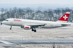 HB-IJN (PlanePixNase) Tags: aircraft airport planespotting haj eddv hannover langenhagen swiss 320 a320 airbus