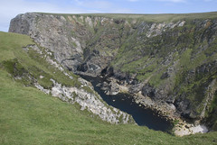 06071914 Benwee Hd-Príosún (Philip D Ryan) Tags: ireland comayo benweehead stonefield anpríosún cliffs wildatlanticway