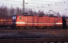 143 104  Mannheim  16.12.97 (w. + h. brutzer) Tags: mannheim eisenbahn eisenbahnen train trains deutschland germany elok eloks railway lokomotive locomotive zug 243 143 dr db webru analog albumhubertboob