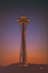 Sunsets and Seattle (Thomas Hawk) Tags: america seattle spaceneedle usa unitedstates unitedstatesofamerica washington washingtonstate sunset fav10