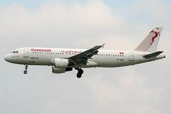 TS-IMB (PlanePixNase) Tags: paris orly ory lfpo aeroport aircraft airport planespotting tunisair airbus 320 a320