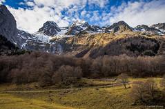 La pleta (SantiMB.Photos) Tags: 2blog 2tumblr 2ig artigadelin esbòrdes valldaran valdaran pirineos pyrenees lleida montañas mountains otoño autumn geo:lat=4267760493 geo:lon=071015510 geotagged bordeses cataluna españa