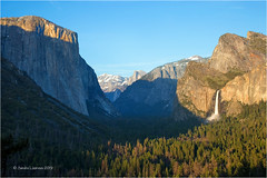 Tunnel View (Sandra Lipproß) Tags: california travel sky usa mountains nature landscape outside nationalpark outdoor sunny valley yosemite halfdome sierranevada yosemitevalley highsierra capitan tunnelview bridalveilfall panoramicview goldenhour goldenlight scenic spring