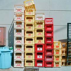 000733060006 (Latte Coke) Tags: 120film carlzeiss fujifilm japan planar80mm pro400h rolleiflex sl66