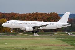 D-ANNA (PlanePixNase) Tags: aircraft airport planespotting haj eddv hannover langenhagen bluewings airbus 320 a320
