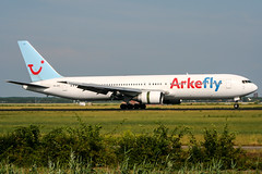 PH-AHY (PlanePixNase) Tags: amsterdam ams eham schiphol planespotting airport aircraft arkefly boeing 767300 767 b763