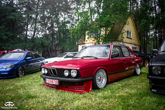 BMW E28 (TimelessWorks) Tags: time less works timeless timelessworks tw photo foto photograph photography pic picture image shot shoot photoshoot festival outside outdoor outdoors summer rainy rain overcast cloudy sunny night lightpainting car auto bil vehicle automobile automotive meet carmeet chill grill lithuania stance fitment low lowered japanese jdm import euro european vag bmw american usdm edm opel nissan toyota mazda mitsubishi honda audi