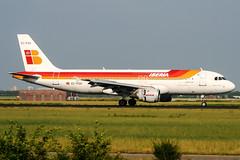 EC-FGV (PlanePixNase) Tags: amsterdam ams eham schiphol planespotting airport aircraft iberia airbus 320 a320