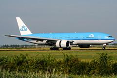 PH-BQB (PlanePixNase) Tags: amsterdam ams eham schiphol planespotting airport aircraft klm boeing 777 777200 b772