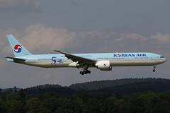 HL8009 ZRH 02.07.2019 (Benjamin Schudel) Tags: korean air boeing 777300 zrh lszh zurich international airport 50 years