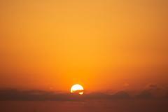 Amanecer en Valencia 19 (dorieo21) Tags: sun soleil sonne sky cielo ciel nikon d7200 clouds nube nuage amanecer aurore sunrise teleobjetivo telephoto teleobjetiv téléobjectif rojo red rouge fire fuego