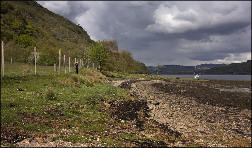 Cowal Way descends to the beach briefly at Glen Caladh (bo4)