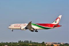 (ORY) RAM  Boeing 787-9 Dreamliner CN-RGY Landing runway 06 from Casablanca (dadie92) Tags: ory orly ram boeing boeing7879 cnrgy dreamliner b787 landing spotting lfpo airplane aircraft casablanca royalairmaroc nikon d7100 tamron sigma danieldanel
