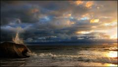 Was vom Atlantikwall blieb (angelofruhr) Tags: groupenuagesetciel atlantik meer wellen see sea wolken clouds sonnenuntergang sunset frankreich atlantikwall himmel beach strand france aquitaine montalivet