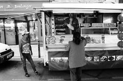 Attente - Ille-sur-Têt, Pyrénées-Orientales (Ludovic Macioszczyk Photography) Tags: attente illesurtêt pyrénéesorientales nikon fm 135 ilford hp5 plus 400 iso juin 2019 © ludovic macioszczyk black white noir et blanc monochrome contrastes life light outside extérieur mm tag world monde earth asa film pellicule flickr argentique analog lumière grain 35mm photography street rue négatif af nikkor méditerranée sud france