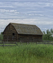 Old Wooden Barn (brentus69) Tags: alberta canada barn country old wooden grass sky nikon d4 nikond4