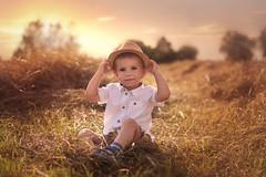 Sommer boy (nicolewitschass) Tags: boy sommer sun evening sunset field golden hour toddler nikon d750 outdoors outside natural light sky pink hat child children kid