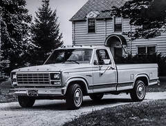 Ford Pickup 1981 (Blackburn lad1) Tags: pickup waggon xf23f28 ford vehicle blackandwhite