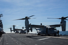 "MV-22B Osprey tiltrotor aircraft lands during flight operations aboard the amphibious assault ship USS Wasp (#PACOM) Tags: 2ndbattalion battalionlandingteam 31stmarineexpeditionaryunit 1stmarines combatlogisticsbattalion31 marinemediumtiltrotorsquadron265reinforced japan ready okinawa marinecorps 31stmeu lethal indopacific lhd1 7thfleet vmfa121 amphibiousassaultshipusswasplhd1 lsd48 partnered magtf blt21 talismansaber groundcombatelement iiimef marineairgroundtaskforce iiimarineexpeditionaryforce ch53esuperstallionhelicopter lpd20 clb31 commandelement aviationcombatelement marinefighterattacksquadron121 logisticscombatelement f35blightningii mv22bospreytiltrotoraircraft docklandingshipussashlandlsd48 ah1zviperhelicopter vmm262rein amphibioustransportdockussgreenbaylpd20 uh1yhvenomhelicopter australia queensland ts19 partnershipmatters talismansebre sea usindopacificcommand ""usindopacomcoral"