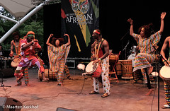 Oké Sène & Band (Senegal) (4 van 9) (Maarten Kerkhof) Tags: afrobeatsinthepark fujifilmxe2x okésèneband senegal thehagueafricanfestival thehagueafricanfestival2019 zuiderparktheater xe2