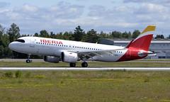 Iberia EC-NDN, OSL ENGM Gardermoen (Inger Bjørndal Foss) Tags: ecndn iberia airbus a320 osl engm gardermoen