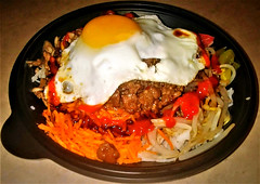 Beef bibimbap (Will S.) Tags: mypics beef egg rice vegetables zucchini greenpeppers carrots beansprouts hoisin sauce sriracha soy korean bibimbap