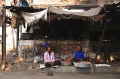 India- Rajasthan- Jodhpur (venturidonatella) Tags: india rajasthan jodhpur asia persone people gentes gente portraits ritratti uomini men street strada streetphotography streetscene streetlife colori colors nikon nikond300 d300