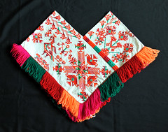 Quechquemitl Huastec Mexico Textiles (Teyacapan) Tags: clothing ropa tenek huastec sanluispotosi mexican quechquemitl embroidery vestimenta