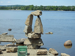 A completed balanced rock structure by John Felice Cepreno on the Ottawa River at Remic Rapids in Ottawa, Ontario (Ullysses) Tags: johnfeliceceprano remicrapids rockart ottawariver balancedrockstructures rivièredesoutaouais summer été ottawa ontario canada