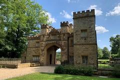 40 Sudeley Castle Gate (Margaret Stranks) Tags: winchcombearea gloucestershire